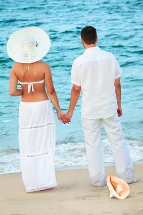 newlyweds by sea